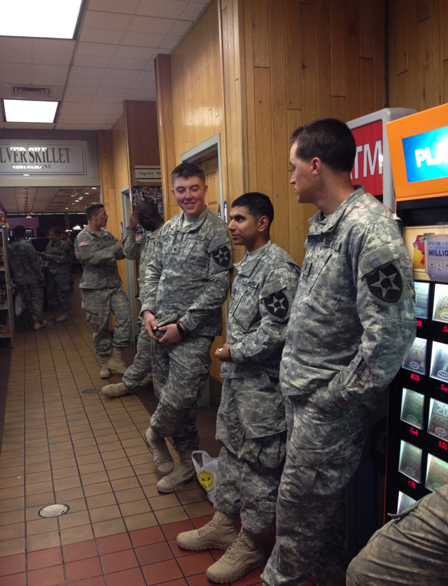 Soldiers-at-Sacramento-49er5.jpg