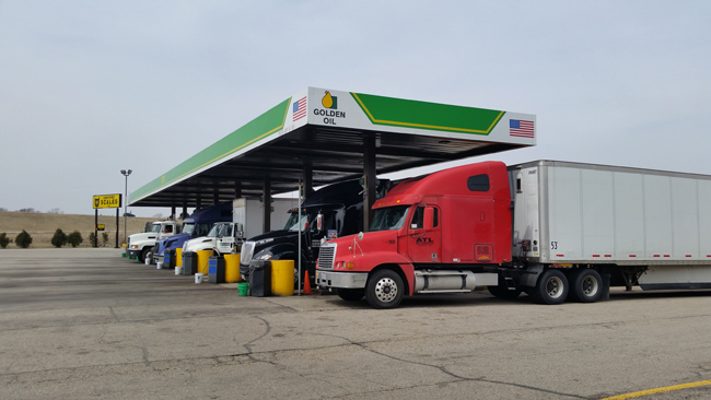 Trucks Fueling -Golden Oil CanopyJI.jpg